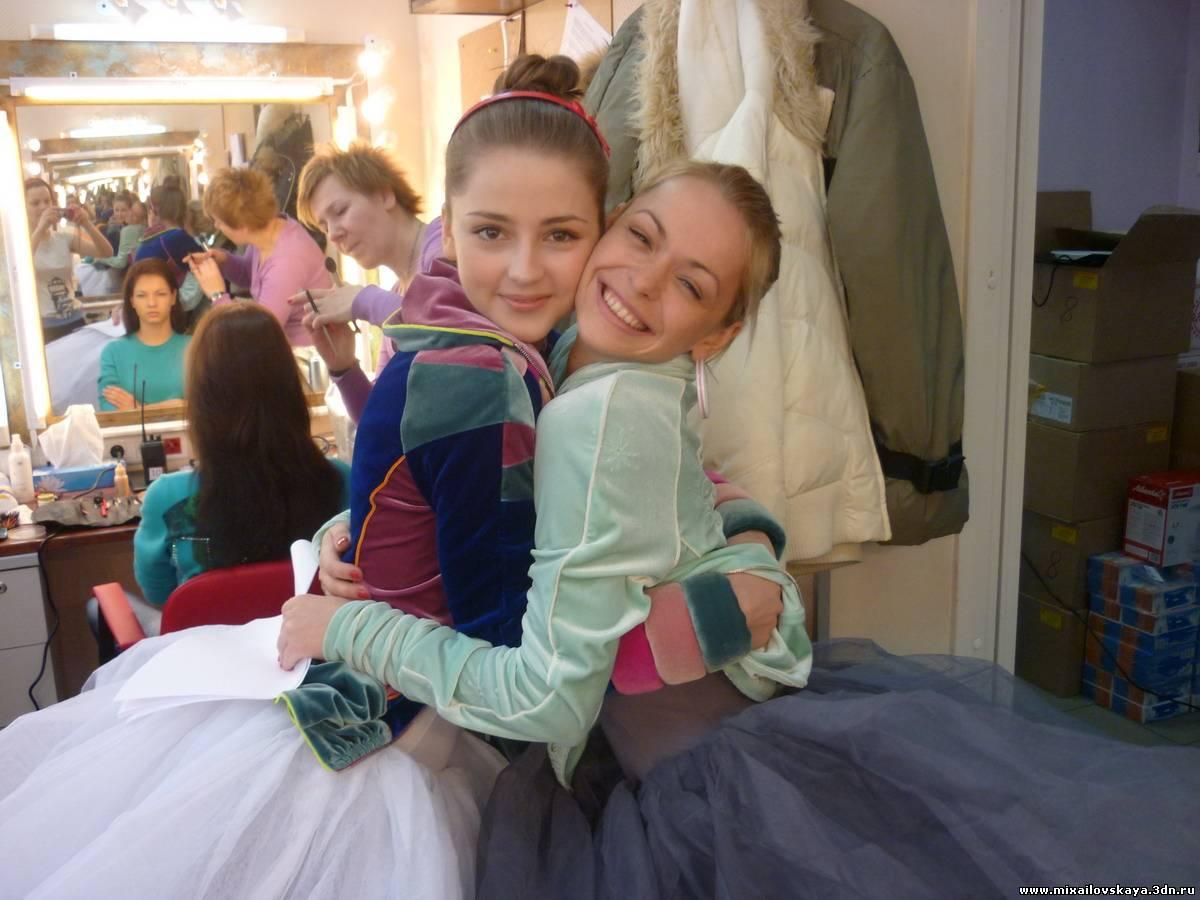 Анна Михайловская Танцует В Белье – Золотые (2011)